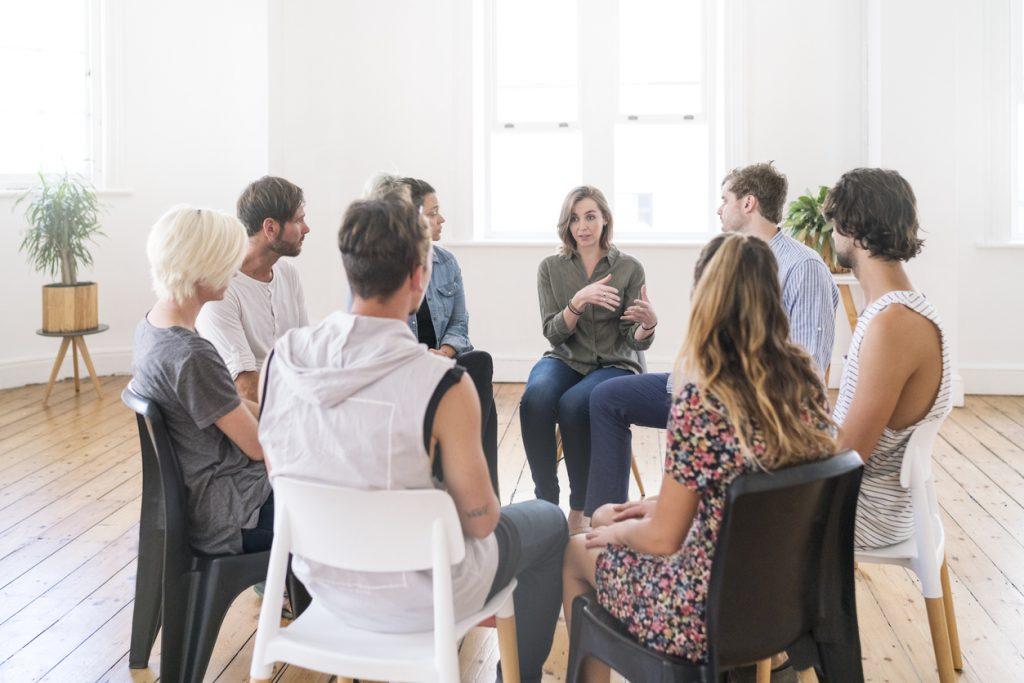 Selbsthilfegruppe diskutiert