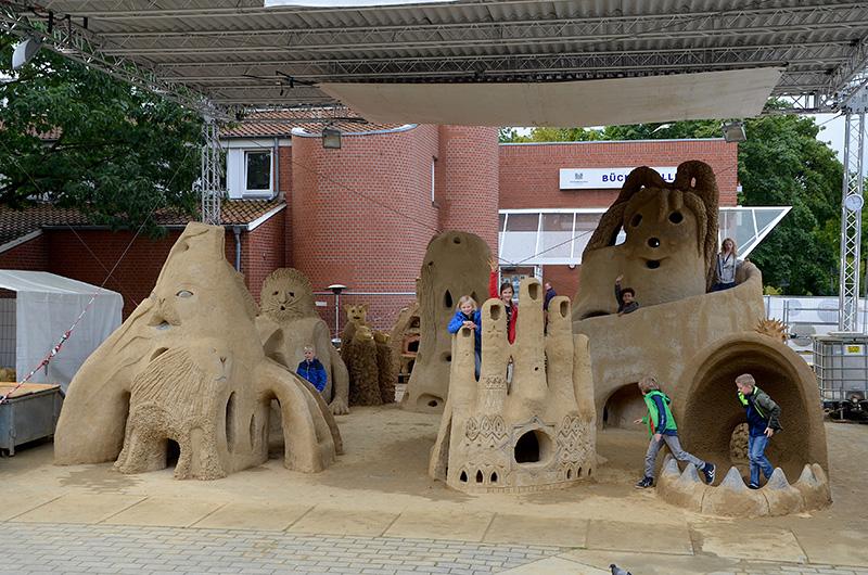 Bauen mit Lehm für Groß und Klein in Hamburg Wilhelmsburg